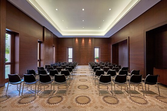 Character Meeting Room