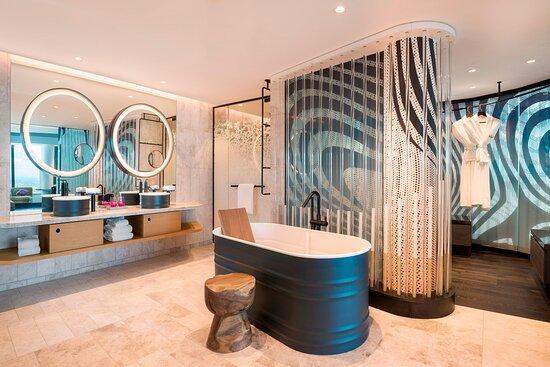Extreme WOW Suite - Bathroom