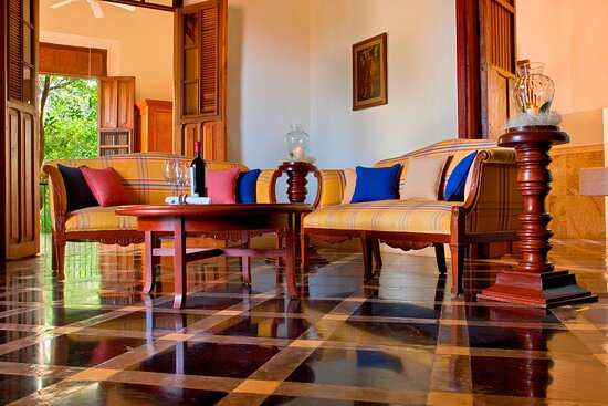 Presidential King Suite- Living Room