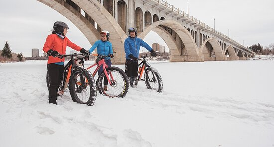 Enjoy the trails of Meewasin Valley by foot, bike, ski or snowshoe