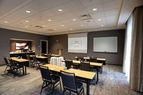 Grandview Heights, OH: The Yard Meeting Room