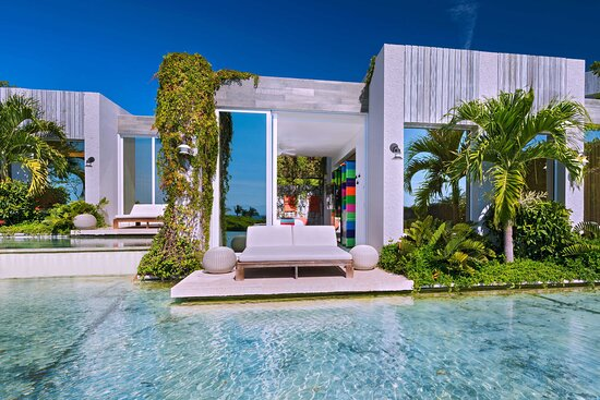 Spectacular Room Lake Balcony