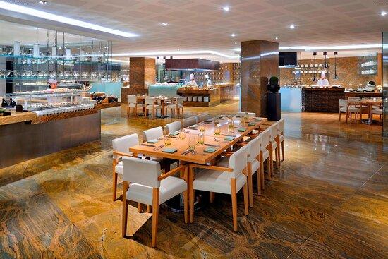 Kitchen6 - Main Dining Area