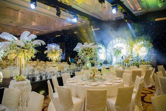Grand Ballroom - Gatsby Wedding Theme Set Up