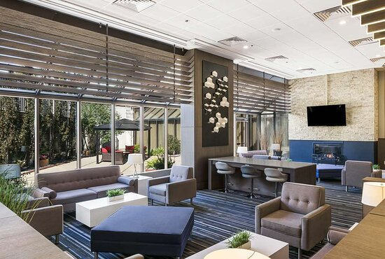 The Best Western Premier Calgary Plaza Hotel & Conference Centre, hoteles en Calgary