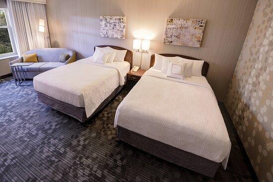 Larger Queen/Queen Guest Room