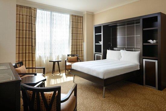 One-Bedroom Suite - Murphy Bed