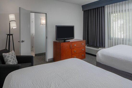 One-Bedroom Suite - Double/Double Bedroom