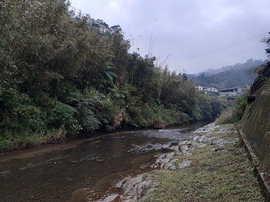 Lingjiao Riverside Trail