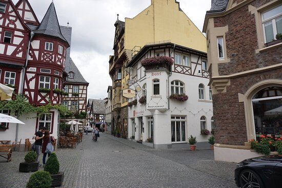 A view of the market square of Bacharach.
