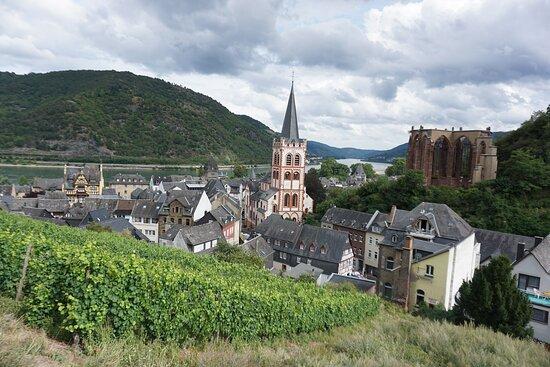 Бакарах, Германия: A view of Bacharach from the small watch tower.