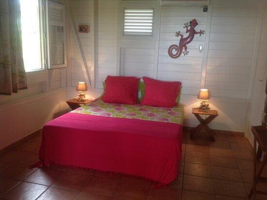 Riviere-Salee, Martinique: chambre bungalow climatisée