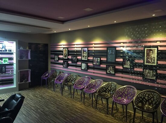 Mirror Hair & Beauty Salon For Women