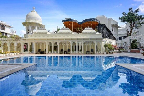 Swaroop Vilas - Boutique Lake View Hotel, hôtels à Udaipur