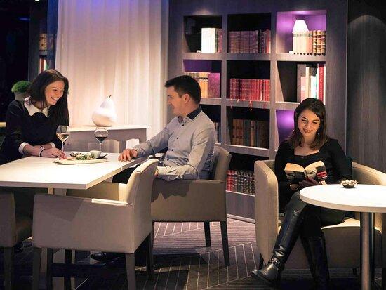 แวนเวส, ฝรั่งเศส: Bar Lounge