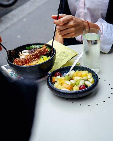 La Bibimerie - restaurant asiatique bibimap République terrasse - plats vegan emporter - Jacques Bonsergent