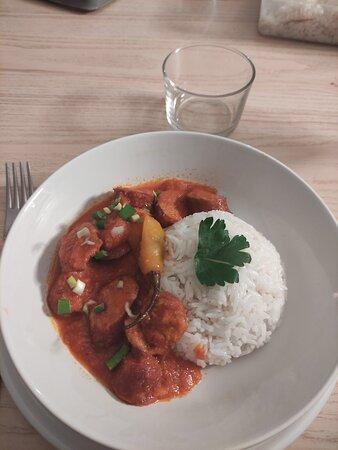 Rougail Saucisses du Restaurant le Thym Te Voila de APT