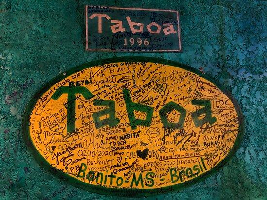 Logo com diversas assinaturas