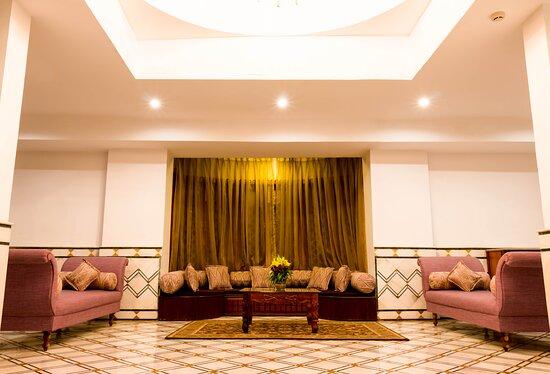 Suite Floor Common Leaving Area