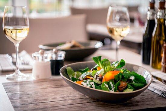 Zur Rostigen Kuh - Seasonal Leaf Salad