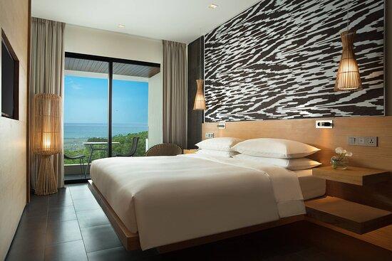 Deluxe King Ocean View Guest Room