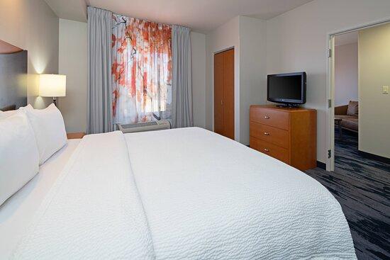 King Suite - Bedroom