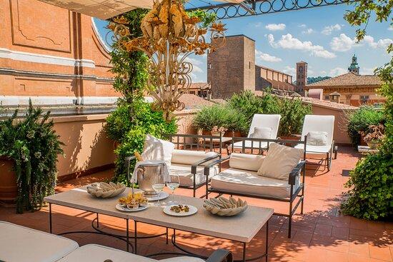 Art Deco Suite Terrace View