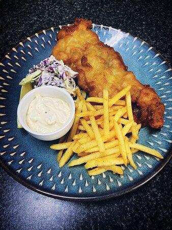 Crispy hake served with home made tartar sauce, coleslaw and skinny fries.