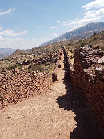 Huarcapay, Peru: la via superiore