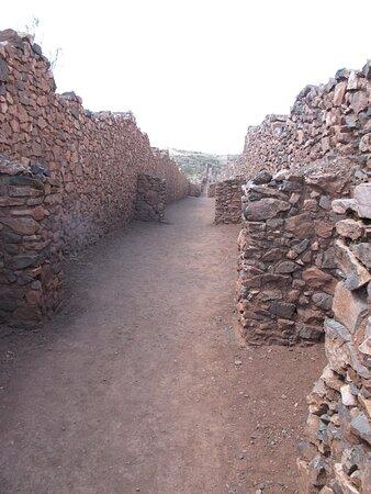 Huarcapay, Peru: una delle vie intermedie