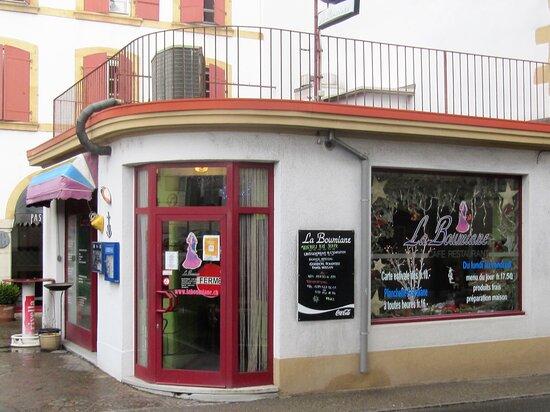 Peseux, Suisse : L'entrée du restaurant