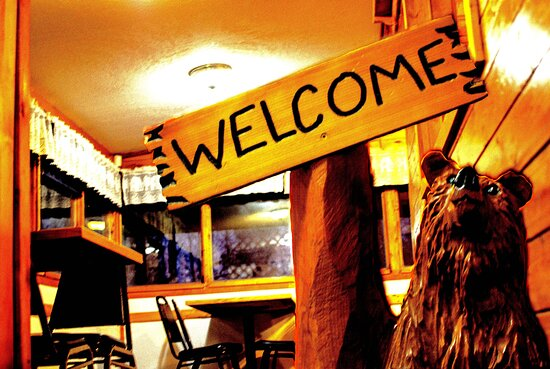 Welcome to our family Restaurant!  We have been in the village of Christopher Lake since 1999!  Learn of weekday specials and upcoming promos on our Facebook page or check out our menu on www.lakecountrycottage.ca