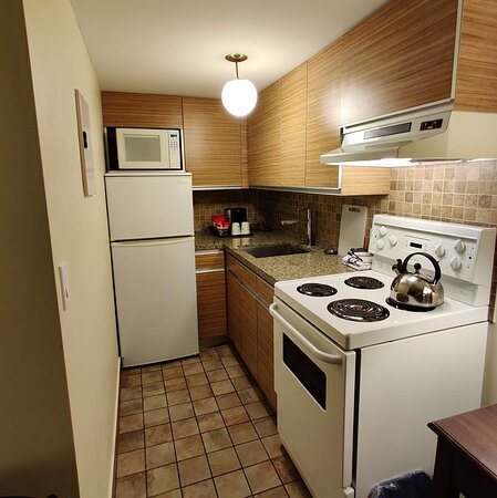 one bed room suite kitchen