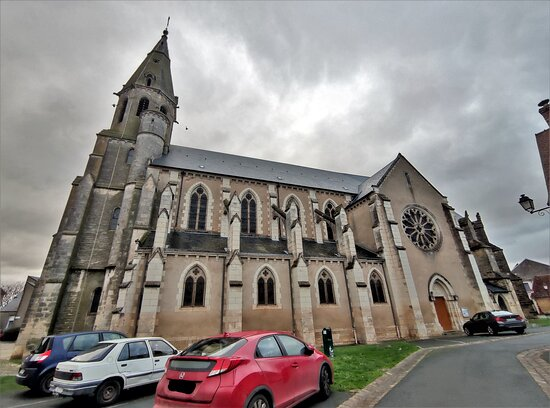 Eglise Saint-laurian À Vatan