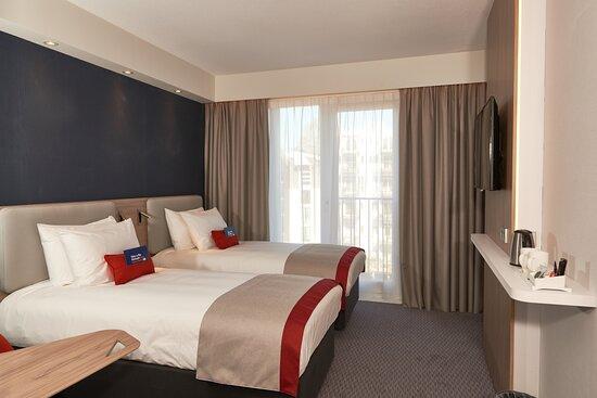 Holiday Inn Express Twin Bedroom