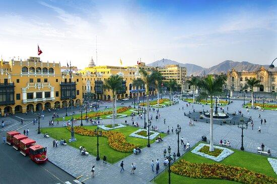 Vùng Lima, Peru: Lima la capital du Perou la ville 3 fois couronné par le rois d'Espagne