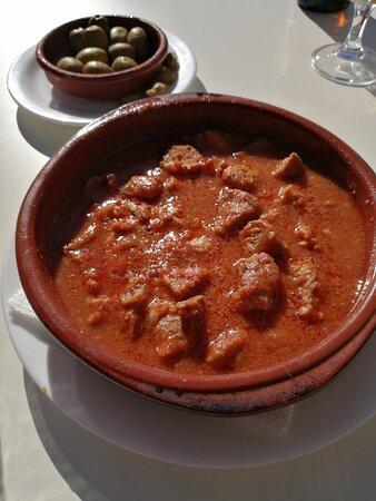 Cuevas de Almanzora, España: carne con tomate