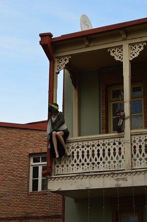 Tbilisi, Georgia: House to small!