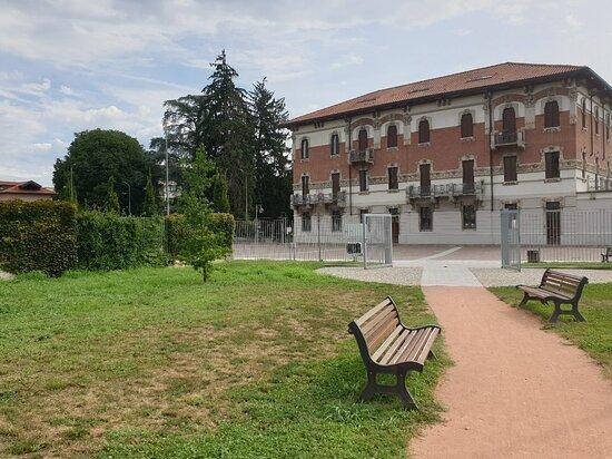 Attractive public park along via Ugo Foscolo