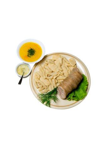 """Ингушская кухня.""""Б1ар с галушками"""" Колбаса из бараньей требухи с галушками соусом """"берх"""" и соусом из чеснока."""