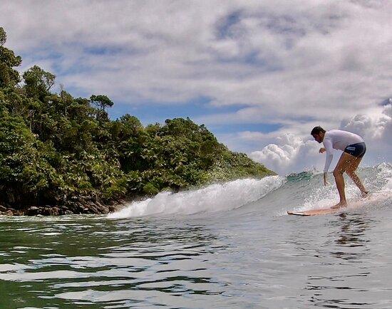 Meninas do Mar Surf School