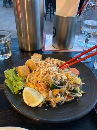 Vegetarian Pad Thai.