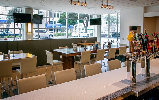 Our Downtown San Francisco Hotel Features Guest Dining Lounge.