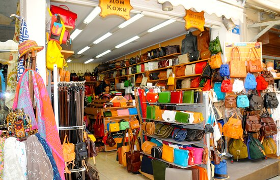 Kos Town, Hy Lạp: Big variety of leather accessories. Fashion and Professional leather bags, Belts, Purses & Wallets, Clothes.