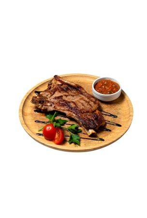 Реберный стейк говяжий с фирменным соусом.