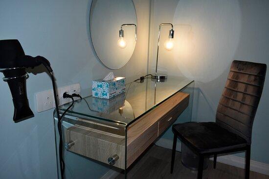 Dressing table/desk.