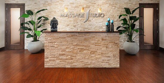 ‪Massage Studio‬