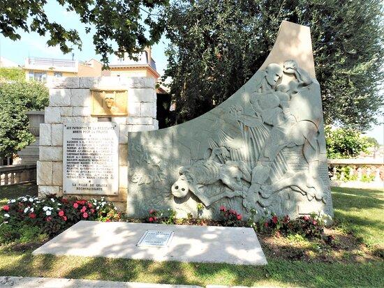 Monument Aux Morts De La Résistance Et De La Déportation