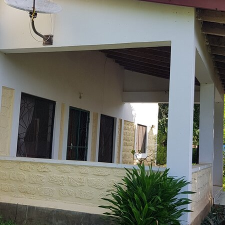 Apple Mango Apartments offers a self-catering holiday destination for families, couples and business travellers visiting Diani Beach. There are eight well equipped apartments all with beautiful views of the area and within easy reach of shops and restaurants, and beach access areas. Call +254795114645 for bookings and enquiries.