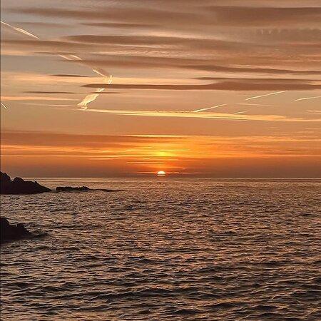 Costa Brava, Španělsko: Preciosa salida del sol